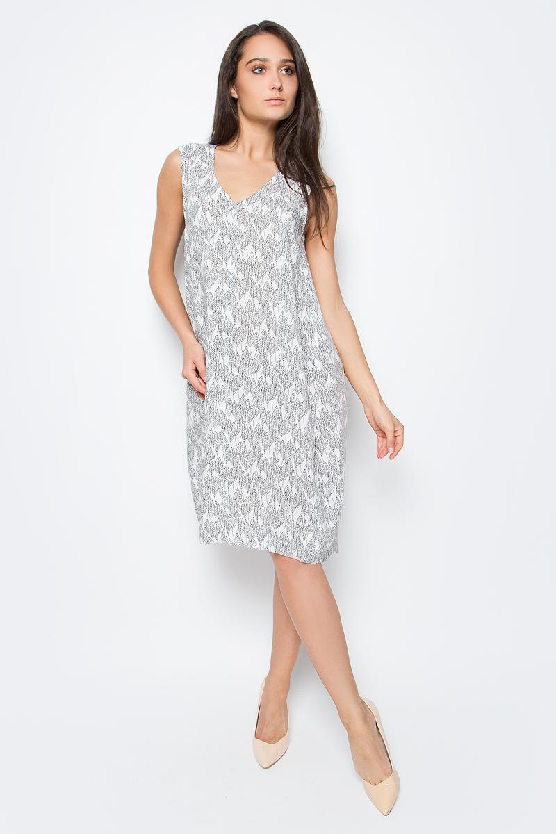Платье домашнее Marusя, цвет: белый. 171227. Размер 48171227Домашнее платье Marusя изготовлено из натурального вискозного материала. Изделие длины миди свободного кроя без рукавов.