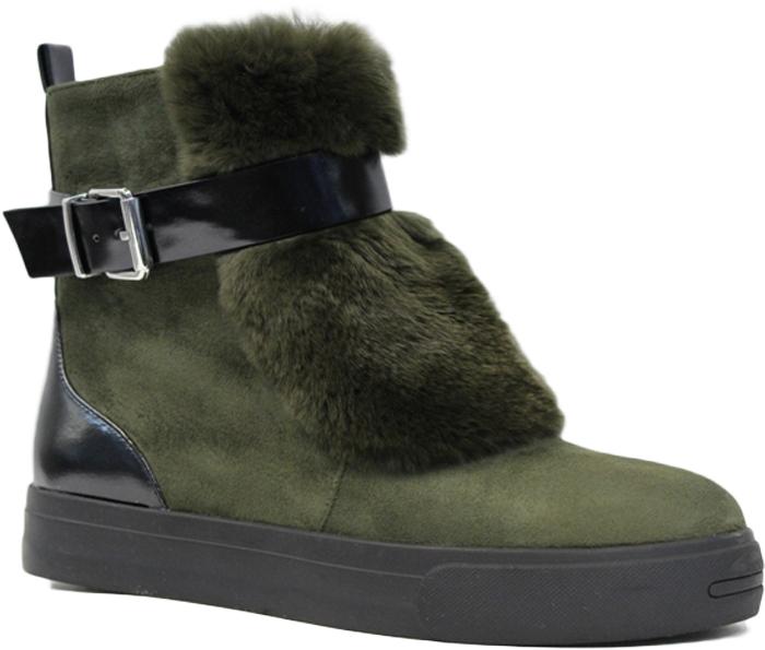 Ботинки женские LK Collection, цвет: зеленый. SP-FA4102-2M (SP-380-F5452). Размер 37SP-FA4102-2M (SP-380-F5452)Стильные женские ботинки от LK Collection заинтересуют вас своим дизайном. Модель выполнена из натуральной замши и полиуретана. Подкладка и стелька, изготовленные из натурального меха, защитят ноги от холода и обеспечат комфорт. Модель спереди оформлена натуральным мехом и на голенище декоративным ремешком с пряжкой. Ботинки застегивается на боковую застежку-молнию. Подошва с рифлением обеспечивает отличное сцепление на любой поверхности. Модные ботинки покорят вас своим оригинальным дизайном и удобством!