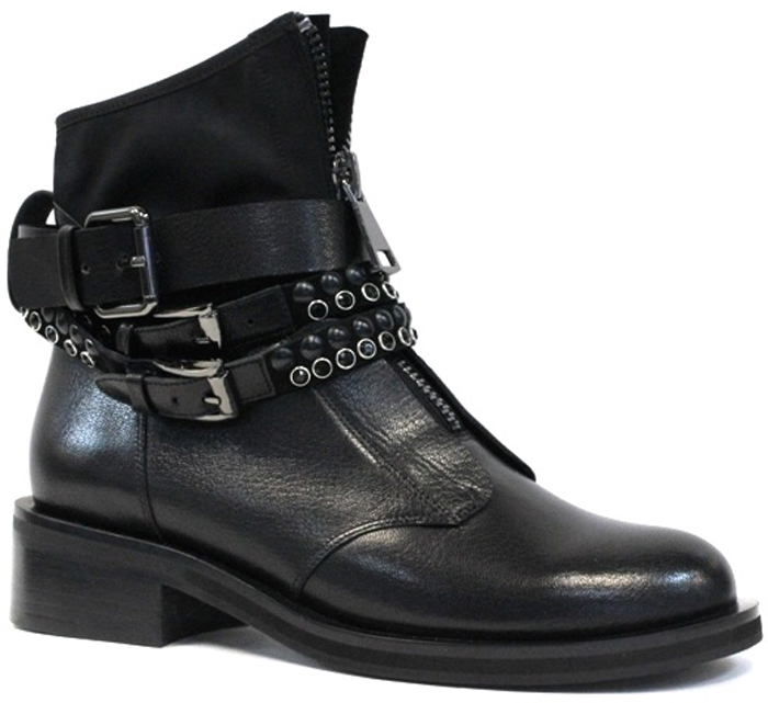 Ботинки женские Graciana, цвет: черный. W2600-5T40-1. Размер 39W2600-5T40-1Оригинальные ботинки от Graciana заинтересуют вас своим дизайном с первого взгляда! Модель выполнена из натуральной кожи. Подъем дополнен молнией и оформлен декоративными ремешками и цепочками. Стелька, выполненная из кожи, обеспечит ногам комфорт. Невысокий каблук и подошва с рельефным протектором обеспечивают отличное сцепление на любой поверхности. Модные ботинки покорят вас своим оригинальным дизайном и удобством!