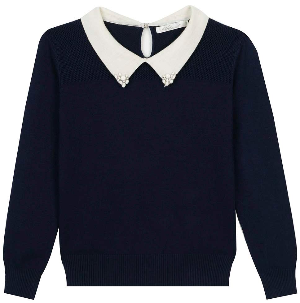 Джемпер для девочки Vitacci, цвет: темно-синий. 2173249-04. Размер 1402173249-04Джемпер школьный для девочки выполнен из качественного материала. Модель с отложным воротником и длинными рукавами.