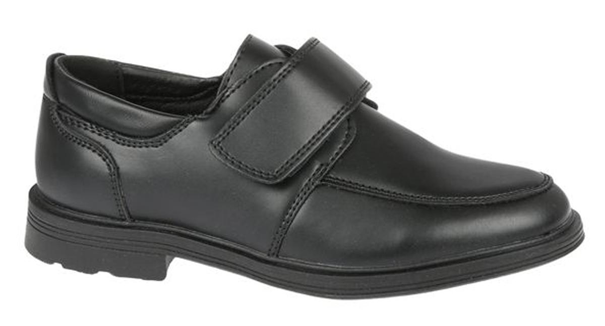 Полуботинки для мальчика Сказка, цвет: черный. R871623335. Размер 32R871623335Стильные полуботинки от бренда Сказка займут достойное место среди коллекции обуви вашего мальчика. Модель выполнена из натуральной и искусственной кожи и оформлена прострочкой. Подъем дополнен широким ремешком с липучкой, которая надежно зафиксирует обувь на ноге. Внутренняя поверхность и стелька, изготовленные из натуральной кожи, обеспечат ногам комфорт и уют. Подошва с рифлением гарантирует отличное сцепление с любой поверхностью. Трендовые полуботинки придутся по душе вашему мальчику.