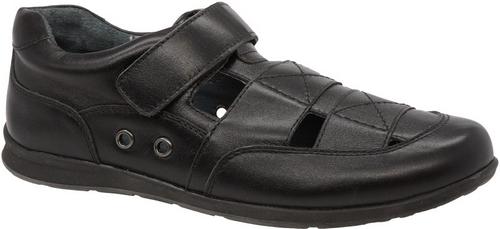Полуботинки для мальчика Зебра, цвет: черный. 11806-1. Размер 3211806-1Стильные полуботинки для мальчика Зебра гарантируют здоровое и правильное развитие ног ребенка.Модель выполнена из натуральной кожи и оформлена перфорацией. Внутренняя отделка также выполнена из натуральной кожи. Удобная застежка-липучка быстро и надежно фиксирует обувь на ноге ребенка. Профилированная стелька, изготовленная из натуральной кожи, учитывает анатомические особенности строения детской стопы, обеспечивает им наилучшую защиту и профилактику от развития плоскостопия, гарантирует ногам ребенка ощущение комфорта и легкости при ходьбе, уменьшает усталость мышц и связок.Рифленая подошва полуботинок из легкого полимерного термопластичного материала обладает высокой прочностью, гибкостью, надежным сцеплением с различными покрытиями, не пачкает полы и оставляет следов и полос.
