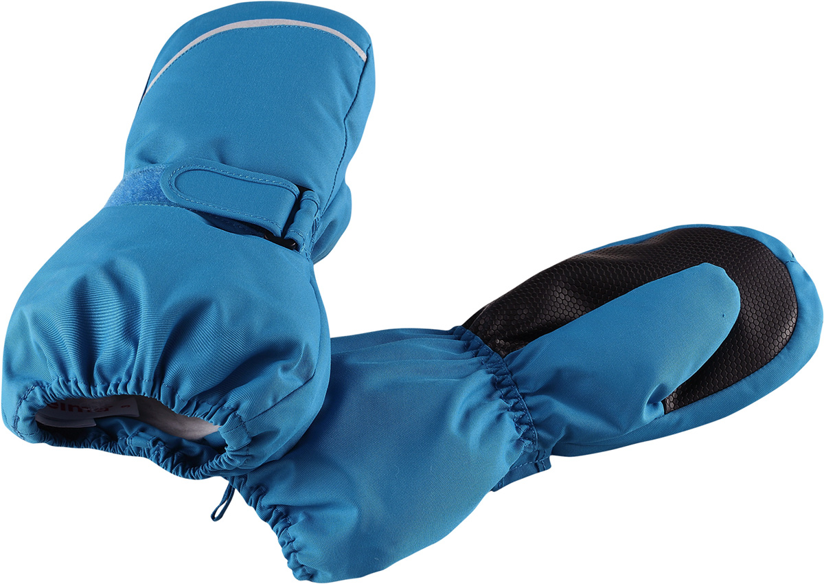 Варежки детские Reima Tomino, цвет: синий. 5272926490. Размер 25272926490Очень теплые зимние варежки для малышей и детей постарше специально созданы для прогулок в морозный день. Легкий утеплитель и теплая полушерстяная ворсовая подкладка гарантируют тепло и комфорт на весь день. Усиления и специальное ребристое покрытие на ладони и большом пальце гарантируют крепкий захват и хорошее сцепление со скользкой поверхностью. Зимние варежки изготовлены из ветронепроницаемого, дышащего материала с верхним водо- и грязеотталкивающим слоем. Эти теплые варежки отлично подойдут для морозных и сухих зимних дней – они могут промокать, хоть и сшиты из водоотталкивающего материала.Высокая степень утепления.