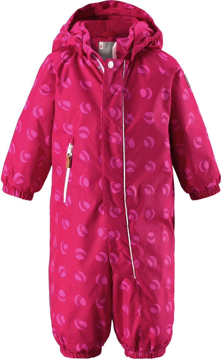 Комбинезон детский Reima Reimatec Puhuri, цвет: розовый, светло-розовый. 5102623567. Размер 925102623567Отличный зимний комбинезон от Reima для малышей! Основные швы комбинезона проклеены, а сам он изготовлен из водо- и ветронепроницаемого, грязеотталкивающего материала. Утепленная задняя часть обеспечит дополнительное утепление во время игр в снегу. Гладкая подкладка и длинная молния облегчают надевание, а талия в комбинезоне регулируется. Маленький карман на молнии надежно сохранит все сокровища.Средняя степень утепления.