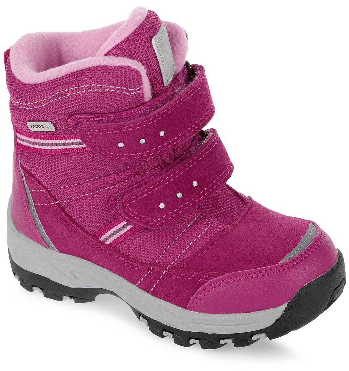 Ботинки детские Reima Visby, цвет: фуксия. 5693223560. Размер 315693223560Детские ботинки Reima Visby - очень легко надевать благодаря застежке на липучке. В них дети могут бегать и прыгать по слякоти и снегу и гарантированно останутся сухими – за счет водонепроницаемой конструкции и подкладки с запаянными швами. Верх этих суперботинок изготовлен из текстиля и телячьей замши с усилениями из резины. Ботинки подшиты подкладкой из теплого и мягкого искусственного меха, который надежно защищает от холода. Резиновая подошва обеспечивает прочное сцепление с различными поверхностями, а благодаря теплым съемным фетровым стелькам с рисунком Happy Fit легко подобрать правильный размер или измерить растущую ножку ребенка. Светоотражающие детали обеспечивают дополнительную безопасность в темное время суток.
