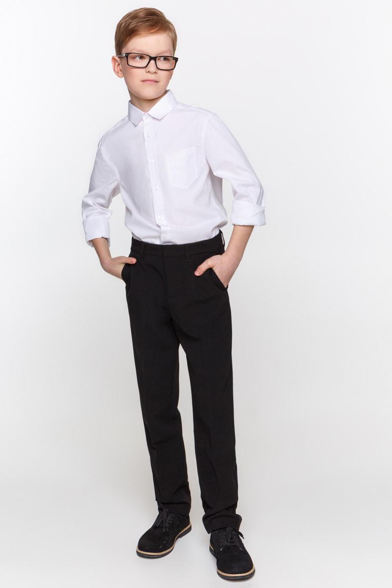 Брюки для мальчика Overmoon Fides, цвет: черный. 21100160003_100. Размер 16421100160003_100Классические брюки Overmoon Fides выполнены из высококачественного материала. Модель стандартной посадки застегивается на крючки в поясе и ширинку на застежке-молнии. Пояс имеет шлевки для ремня. Спереди брюки дополнены втачными карманами.