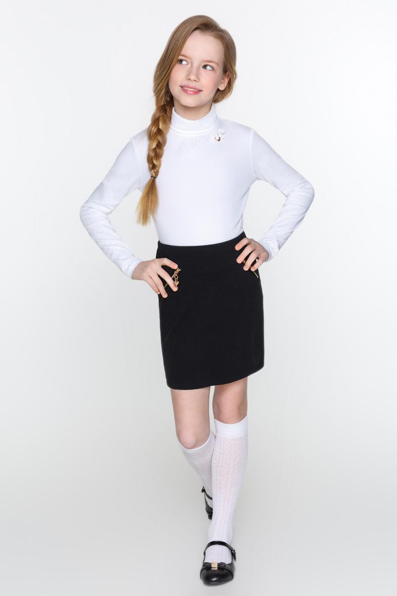 Водолазка для девочки Acoola Gaga, цвет: белый. 20210100108_200. Размер 15820210100108_200Водолазка для девочки Acoola Gaga выполнена из мягкого эластичного трикотажа, с декоративными защипами и бантиком с подвеской у горловины. Модель приталенного силуэта, с воротником-гольф и длинными рукавами.