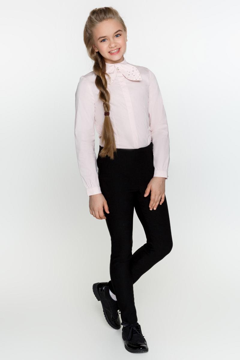 Блузка для девочки Acoola Betta, цвет: светло-розовый. 20200260003_3400. Размер 13420200260003_3400Классическая блузка Acoola Betta выполнена из хлопкового поплина, с воротником-стойкой, декорированным съемным бантиком со стразами. Модель приталенного силуэта с длинными рукавами с манжетами на пуговицах и планкой с потайной застежкой на пуговицы спереди.