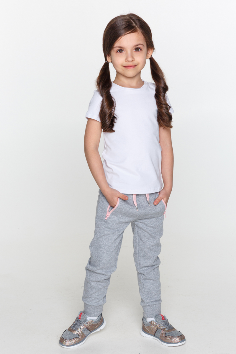 Футболка для девочек Acoola Cher, цвет: белый. 20220110097_200. Размер 9220220110097_200Базовая белая футболка из эластичного трикотажа. Модель с круглым вырезом горловины.