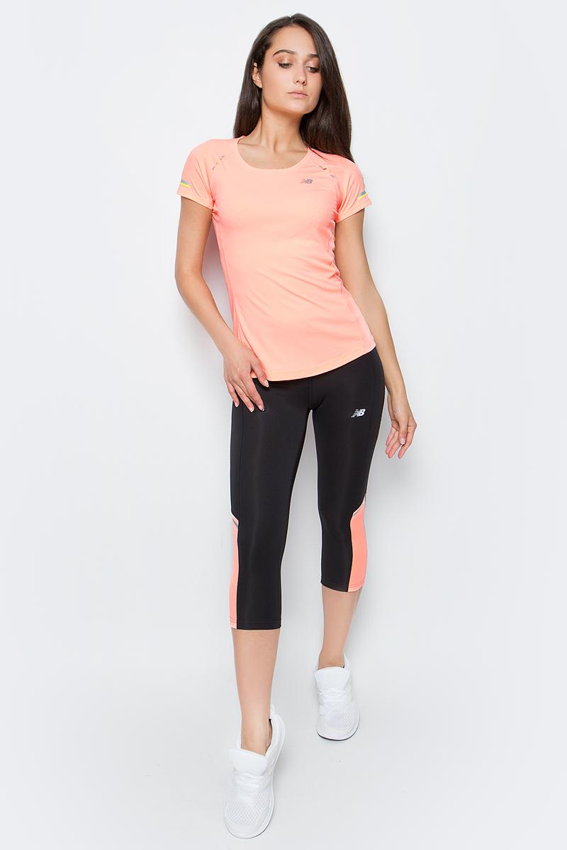 Тайтсы для бега женские New Balance Accelerate Capri, цвет: черный. WP63130/BES. Размер M (46)WP63130/BESТайтсы для бега женские Accelerate Capri от New Balance выполнены из ткани, сохраняющей оптимальную температуру тела и способствующей выведению влаги наружу. Имеют эластичный пояс со шнурком, светоотражающие элементы, плоские швы.