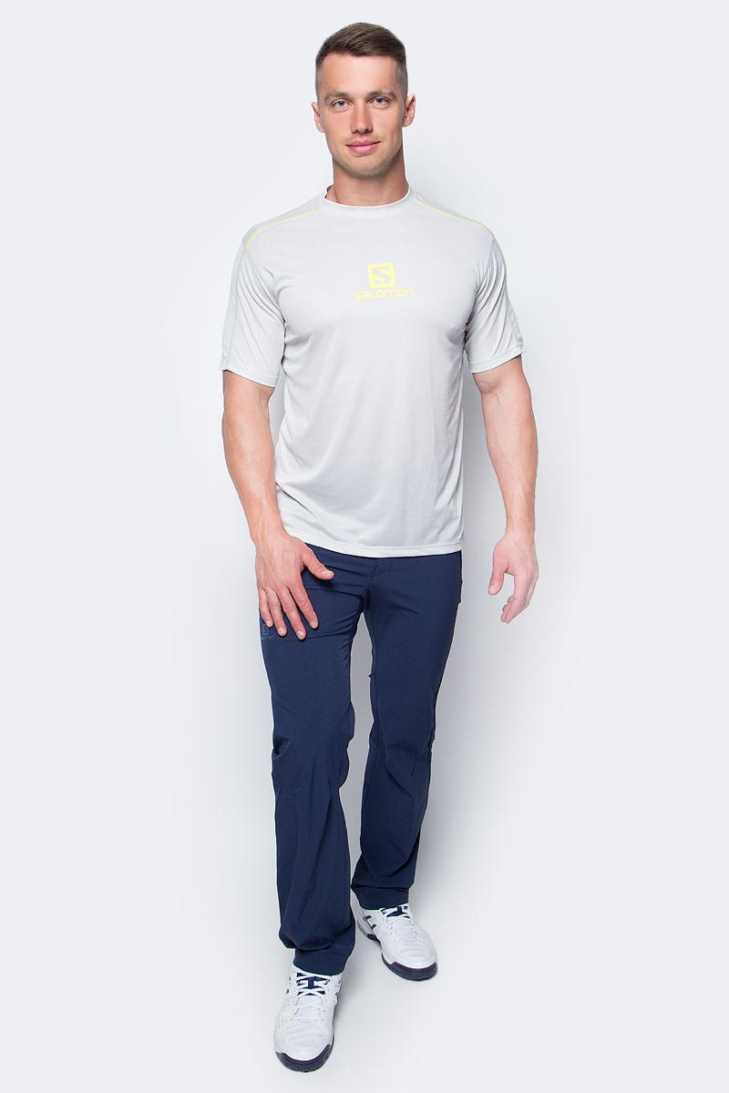 Футболка мужская Salomon Stroll Logo Ss Tee, цвет: светло-серый. L39280900. Размер M (48/50)L39280900Футболка Salomon выполнена из качественного полиэстера. Модель свободного покроя с графическим логотипом.