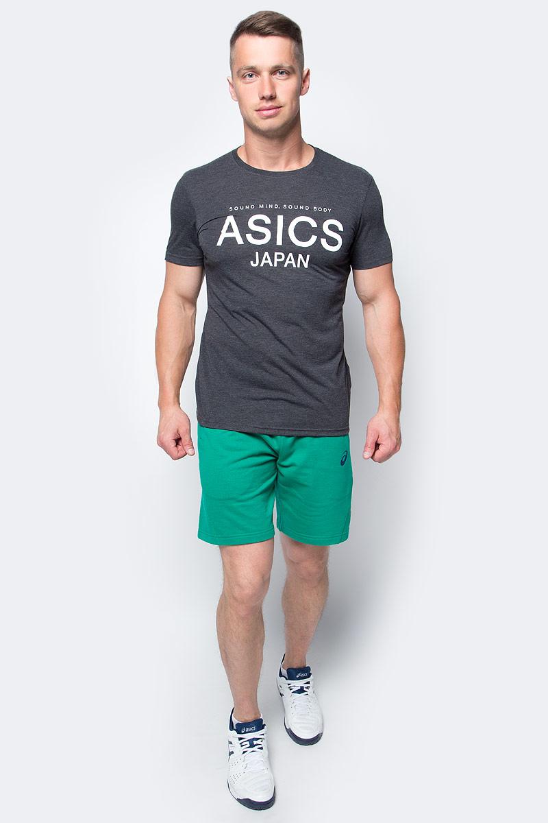 Футболка мужcкая Asics Logo Top, цвет: черный. 141100-0934. Размер XL (52/54)141100-0934Мужская футболка Asics выполнена из полиэстера с добавлением вискозы и эластана.У модели классический круглый ворот и короткие стандартные рукава. Спереди изделие оформлено принтом с надписями, на спинке - логотипом бренда. Технология Motion Dry позволяет выводить влагу, оставляя тело сухим и сохраняя его оптимальный температурный режим.