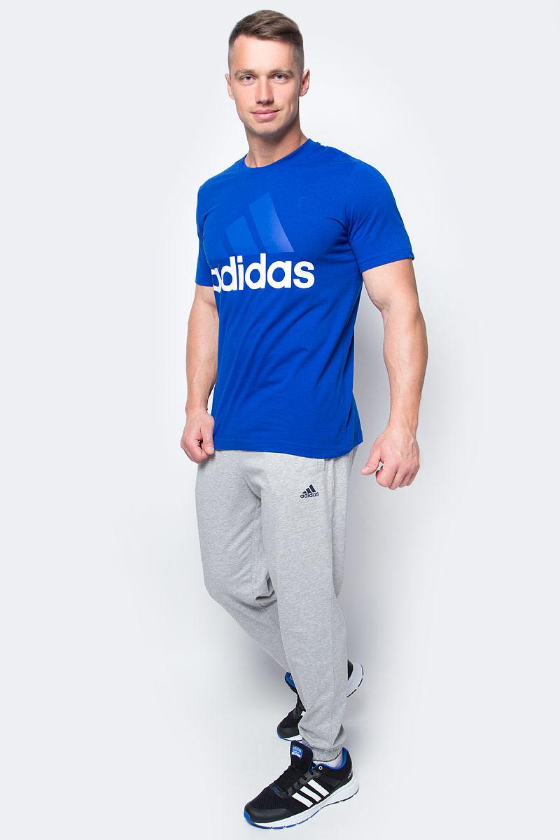 Футболка мужская adidas Ess Linear Tee, цвет: синий. S98734. Размер M (48/50)S98734Удобная мужская футболка Adidas Freelift Chill1 изготовлена из натурального хлопка. Модель с круглой горловиной и короткими рукавами-реглан со стороны спинки. Футболка украшена большим принтом с фирменным логотипом adidas на груди.