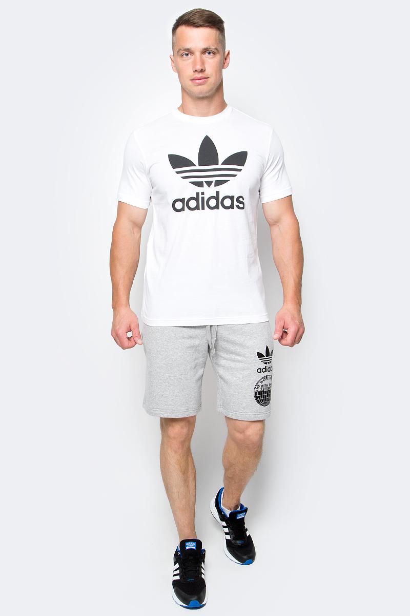 Футболка мужская adidas Orig Trefoil T, цвет: белый. AJ8828. Размер L (52/54)AJ8828Футболка мужская adidas Orig Trefoil T выполнена из натурального хлопка. Модель с круглым вырезом горловины и короткими рукавами оформлена оригинальным принтом.