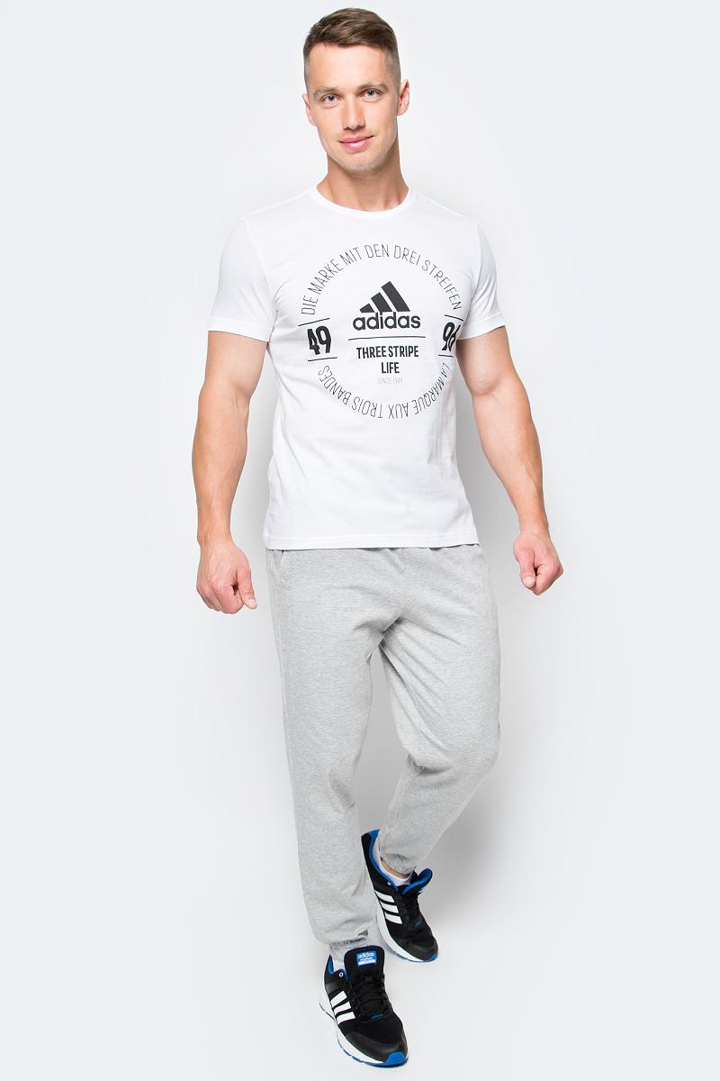 Футболка мужская adidas Logo Tee, цвет: белый. BK2802. Размер L (52/54)BK2802Футболка мужская adidas Logo Tee выполнена из натурального хлопка. Модель с круглым вырезом горловины и короткими рукавами оформлена оригинальным принтом.