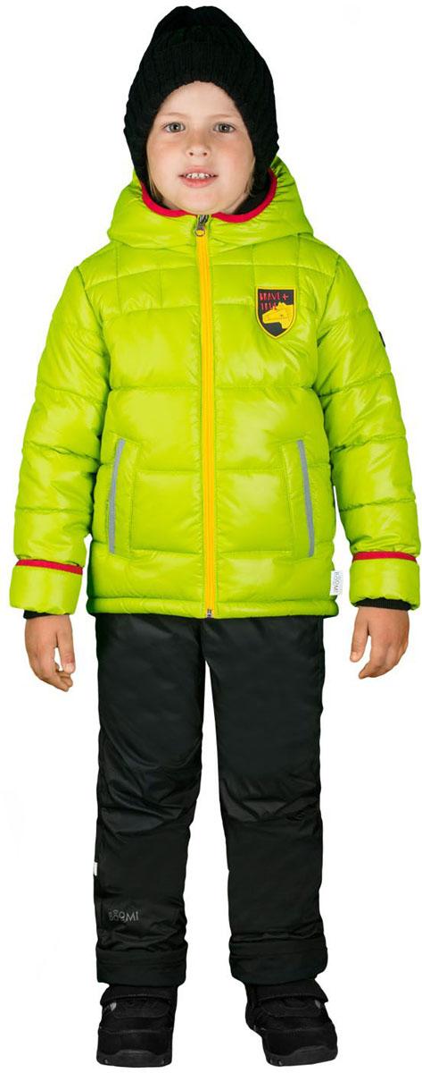 Комплект верхней одежды для мальчика Boom!: куртка, брюки, цвет: салатовый, черный. 70334_BOB_вар.2. Размер 116, 5-6 лет70334_BOB_вар.2Комплект верхней одежды для мальчика Boom! состоит из куртки и брюк. Комплект выполнен из полиэстера. Куртка с капюшоном застегивается спереди на молнию и дополнена спереди фирменной нашивкой. На рукавах предусмотрены манжеты, препятствующие проникновению холодного воздуха. Спереди расположены два прорезных кармана на застежках-молниях. Теплые брюки дополнены эластичными наплечными лямками, регулируемыми по длине. На талии предусмотрена широкая резинка. Комплект снабжен светоотражающими элементами.