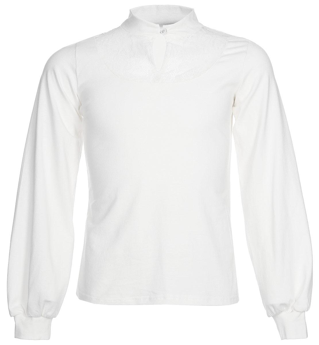 Блузка для девочки Nota Bene, цвет: молочный. CJR270462A17. Размер 122CJR270462A17/CJR270462B17Блузка для девочки Nota Bene выполнена из хлопкового трикотажа с кружевной отделкой. Модель с длинными рукавами застегивается на пуговицу.