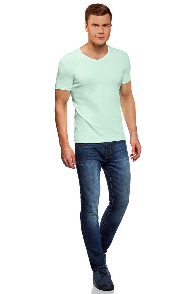 Футболка мужская oodji Basic, цвет: зеленый. 5B612002M/46737N/6500N. Размер XS (44)5B612002M/46737N/6500NБазовая футболка с V-образным вырезом горловины и короткими рукавами выполнена из эластичного хлопка.