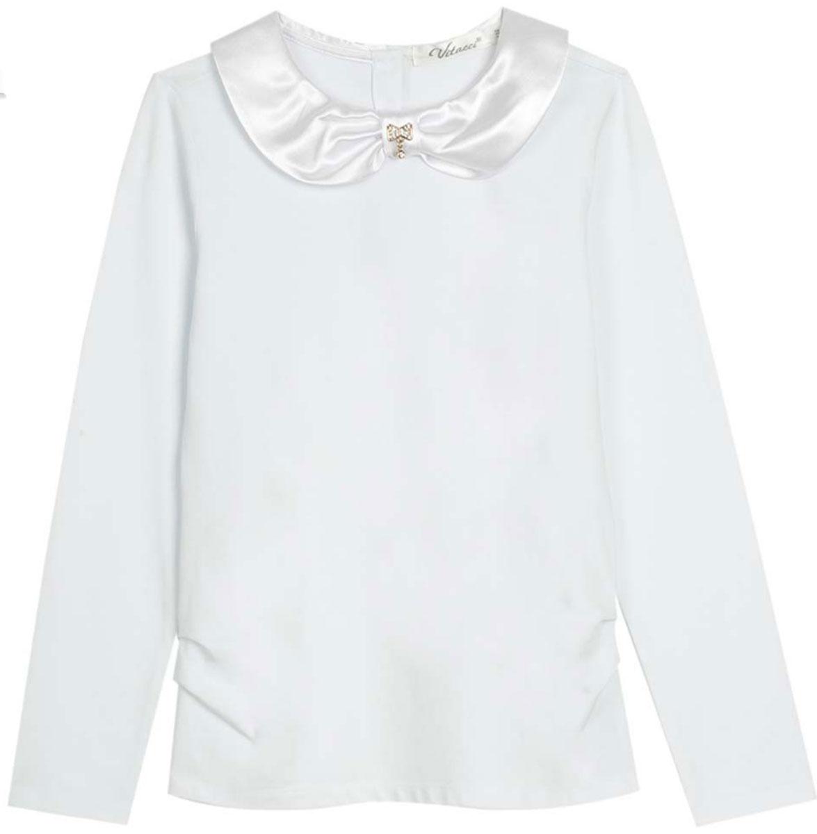 Блузка для девочки Vitacci, цвет: белый. 2173007-01. Размер 1222173007-01Школьная блузка для девочки от Vitacci выполнена из эластичного хлопкового трикотажа. Модель с длинными рукавами и отложным атласным воротничком на спинке застегивается на пуговицы.