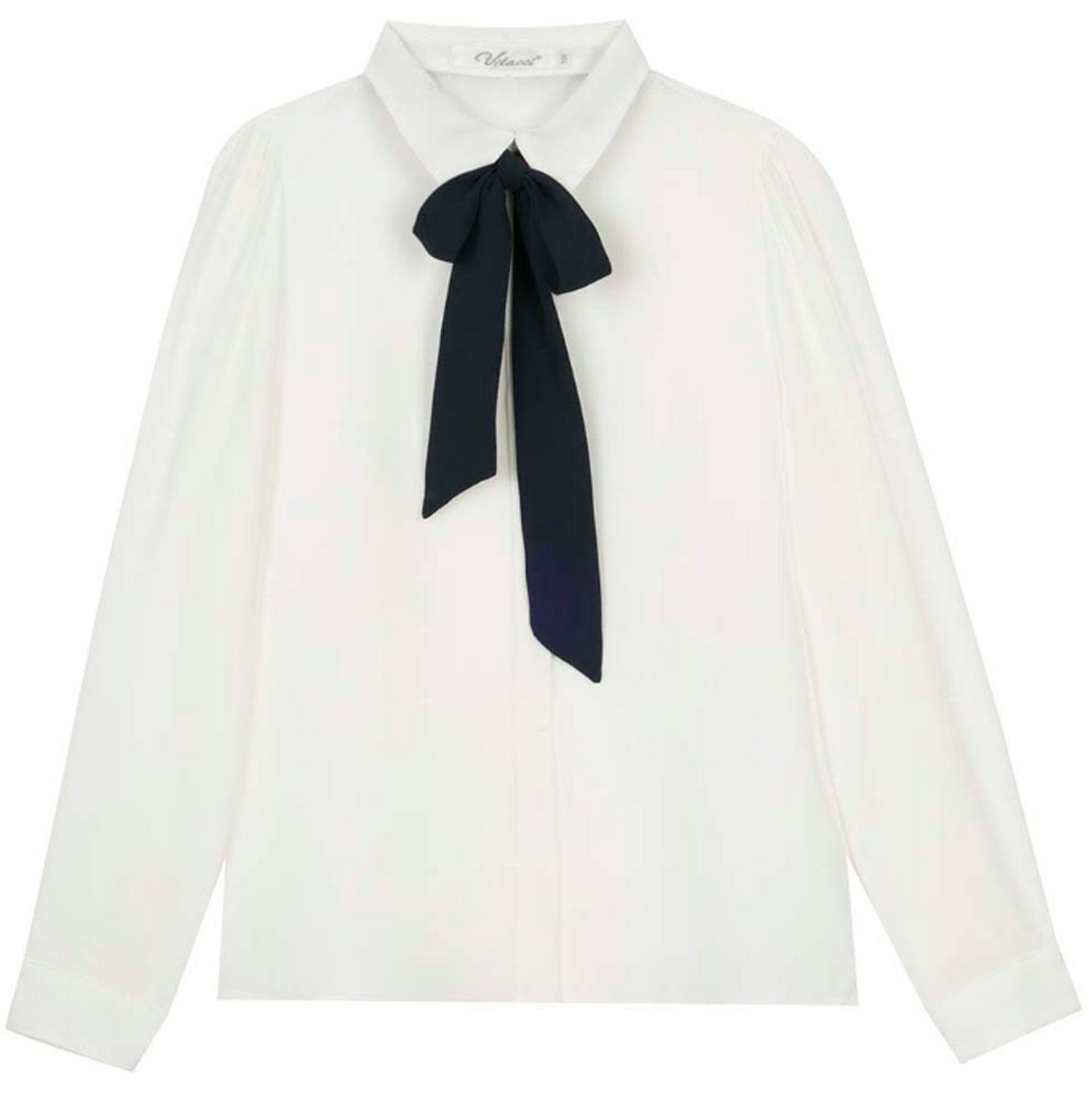 Блузка для девочки Vitacci, цвет: белый. 2173224-01. Размер 1522173224L-01/2173224-01Шифоновая блузка для девочки Vitacci выполнена из 100% полиэстера. Модель имеет длинные рукава и отложной воротник, украшенный контрастным бантом. Застегивается на пуговицы, скрытые планкой. Классическая блузка отлично подойдет для школы.