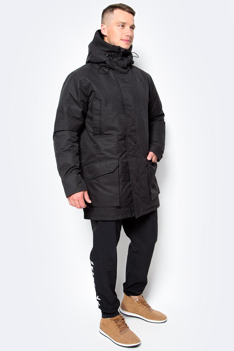 Куртка мужская Puma Style Protective Down, цвет: черный. 83866101. Размер XXL (54)838661_01Благодаря прямому крою, куртка STYLE Protective Down обеспечивает комфортную посадку. Данная модель не будет сковывать вас в движениях, вы будете чувствовать себя легко и непринужденно. Модель декорирована логотипом PUMA, нанесенным методом глянцевой печати, а также силиконовой эмблемой PUMA. Модель изготовлена с использованием технологии stormCELL из водонепроницаемых, но в то же время дышащих материалов, способных справиться с любой непогодой. Среди других отличительных особенностей модели - капюшон изменяемой формы с затягивающимися шнурами, снабженными стопорами и зажимами в виде шариков, капюшон с подкладкой из флиса, ветрозащитный клапан на липучке и наращённый спереди ворот, надежно закрывающий шею и подбородок, скрытый карман для электронных устройств на молнии, с прорезиненной петлицей и эластичной петлей для регулировки длины провода наушников под ветрозащитным клапаном, карманы на молнии на груди, боковые накладные карманы с вертикальным входом в карман и застегивающиеся на кнопку, манжеты с подложкой из эластичного материала, подол с кулиской и затягивающимся шнуром для регулирования посадки, петля для вешалки, висячий ярлык с указанием состава наполнителя.