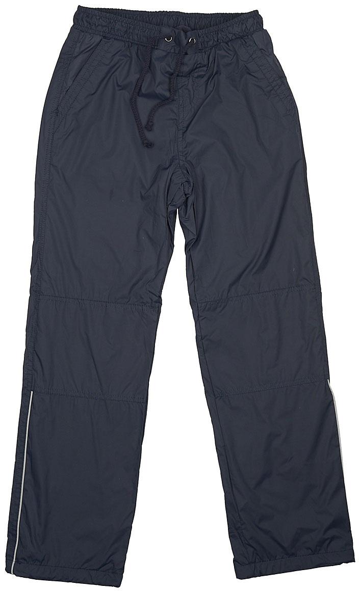 Брюки утепленные для мальчика Sela, цвет: темно-синий. Ppf-825/283-7311. Размер 128Ppf-825/283-7311Утепленные брюки для мальчика Sela отлично подойдут для прохладной погоды. Модель прямого кроя выполнена из качественной плащевой ткани с подкладкой из флиса и дополнена двумя втачными карманами. Брюки стандартной посадки на талии имеют широкий пояс на мягкой резинке, дополнительно регулируемый шнурком. По бокам брючин имеются вертикальные светоотражающие вставки.