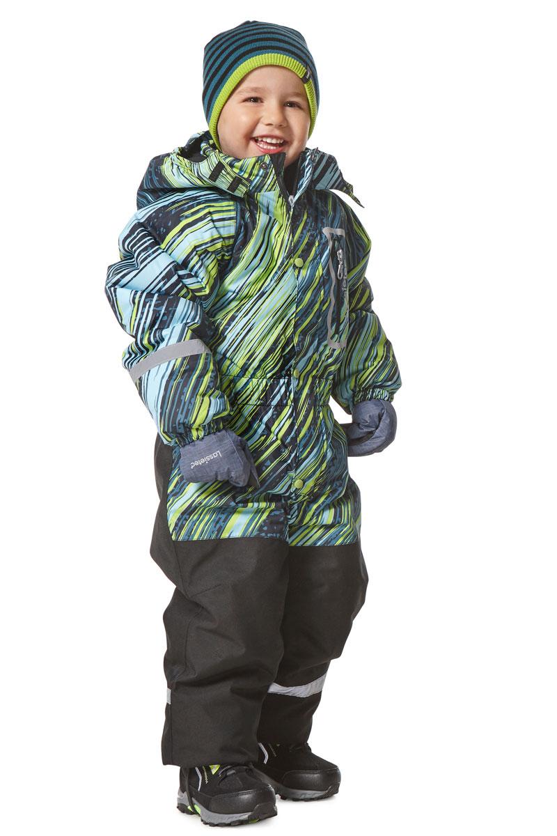 Комбинезон утепленный детский Lassie Lassietec, цвет: зеленый, голубой, черный. 7207108313. Размер 1167207108313Утепленный детский комбинезон Lassie Lassietec - превосходное дополнение к зимнему гардеробу. Комбинезонизготовлен из сверхпрочного, ветронепроницаемого и дышащего материала с верхним водо- игрязеотталкивающим покрытием, он обеспечивает комфорт во время веселых прогулок.Подкладка выполнена из полиэстера. В качестве утеплителя используется полиэстер.Комбинезон со съемным капюшоном застегивается на пластиковую молнию с защитой подбородка идополнительно имеет ветрозащитную планку на кнопках. Капюшон, присборенный по бокам на резинки,пристегивается к комбинезону при помощи кнопок и дополнительно застегивается клапаном под подбородком налипучку. На рукавах имеются эластичные манжеты. По линии талии расположена широкая вшитая резинка.Комбинезон снабжен на груди удобным прорезным карманом на молнии. Снизу брючин предусмотрены съемныештрипки, одевающиеся на ступню и не дающие комбинезону ползти вверх.Светоотражающие элементы не оставят вашего ребенка незамеченным в темное время суток. Теплый, удобный и практичный комбинезон станет идеальным выбором для активных детей, которыелюбят играть на свежем воздухе!