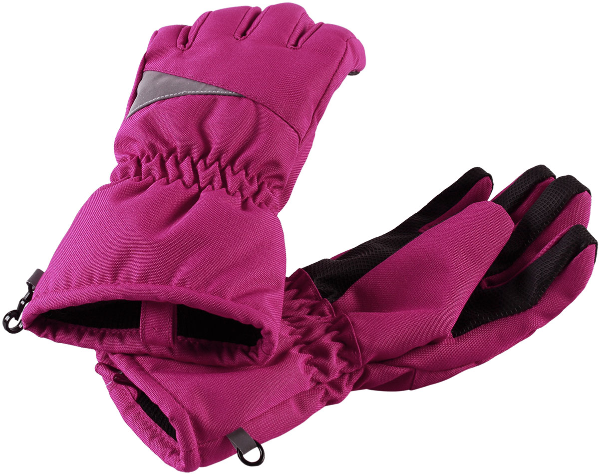 Перчатки для девочки Lassie Lassietec, цвет: розовый. 7277164800. Размер 57277164800Зимние перчатки Lassietec сочетают в себе практичность и комфорт! Отличный выбор для ежедневной носки. Перчатки изготовлены из очень прочного, водо- и ветронепроницаемого дышащего материала и снабжены водонепроницаемой мембраной, которая обеспечит вашему ребенку долгие и сухие прогулки на свежем воздухе. Усиления на ладони и большом пальце не пропускают влагу и обеспечивают хороший захват. Трикотажная подкладка из полиэстера с начесом очень мягкая и приятная на ощупь. Высокая манжета и резинка на запястье обеспечивают удобную посадку перчаток на руке. Сверху изделие дополнено светоотражающей вставкой.