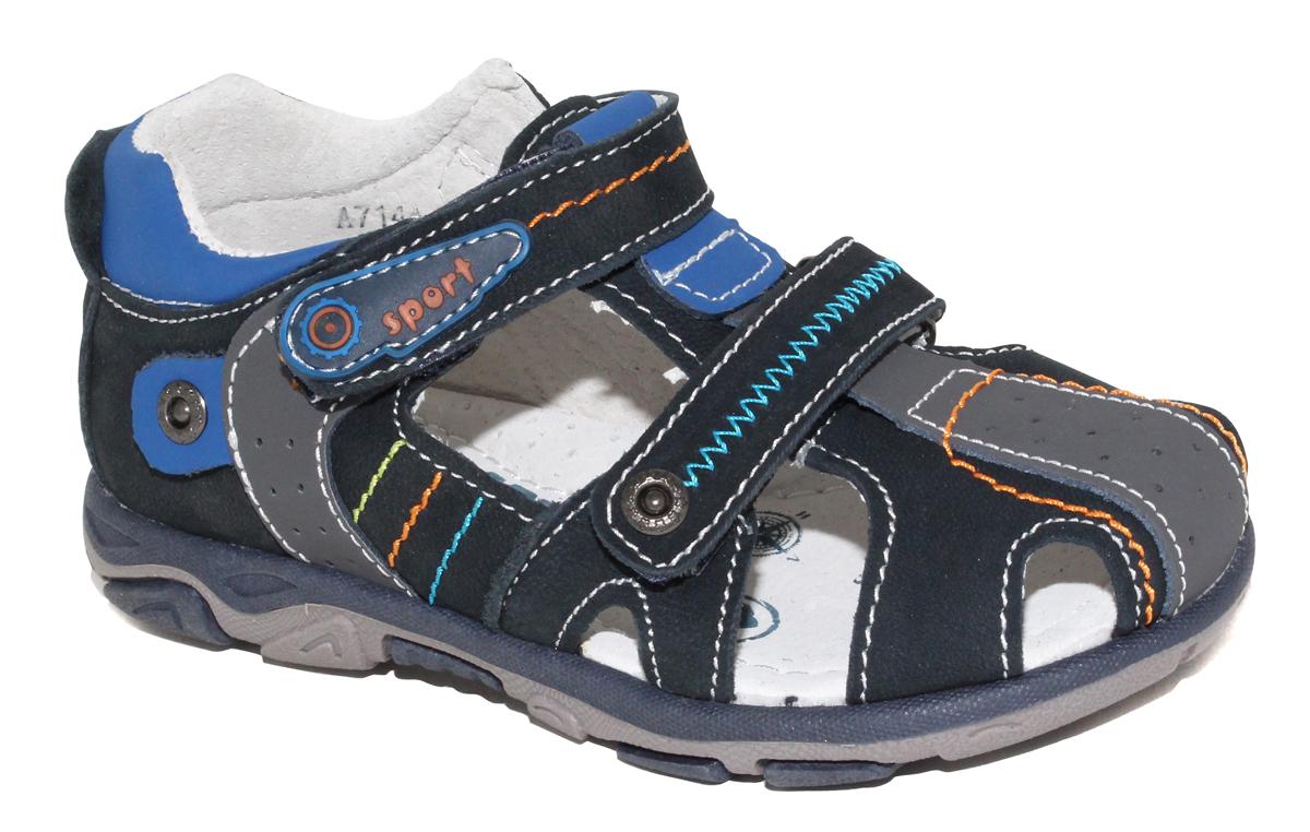 Сандалии для мальчика Капитошка, цвет: синий, черный. A7144. Размер 30A7144Стильные и удобные сандалии для мальчика от бренда Капитошка изготовлены из натуральной кожи. Модель с закрытой пяткой застегивается на два ремешка с застежками-липучками и оформлена декоративной прострочкой. Стелька, изготовленная из натуральной кожи, гарантирует дополнительный комфорт и предотвращает натирание. Подошва из термопластичной резины оснащена рифлением для лучшего сцепления с поверхностью. Модные сандалии займут достойное место в летнем гардеробе вашего ребенка.