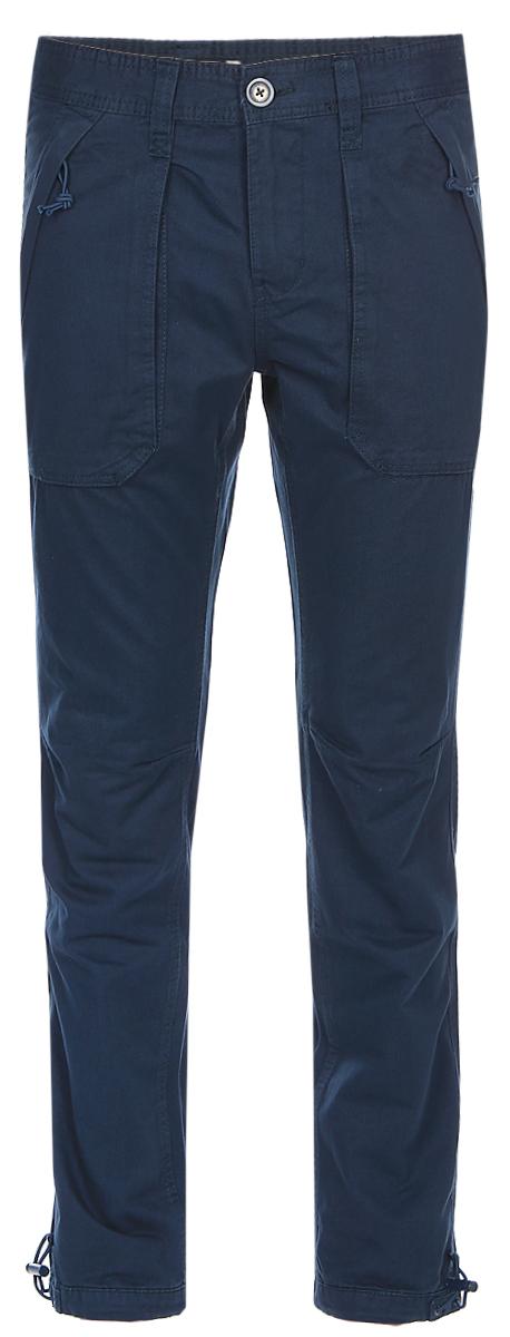 Брюки мужские Sela, цвет: синий. P-415/013-7320. Размер 52P-415/013-7320Мужские брюки Sela, выполненные из натурального хлопка, помогут создать модный повседневный образ. Модель прямого кроя со стандартной линией талии застегивается на молнию и пуговицу. На поясе имеются шлевки для ремня. Изделие дополнено двумя накладными карманами на молнии спереди и двумя накладными карманами с клапанами на липучке сзади. Низ брючин можно утянуть при помощи резинки с фиксатором. Брюки подойдут для прогулок или дружеских встреч и станут отличным дополнением к гардеробу. Мягкая ткань приятна на ощупь и комфортна в носке.