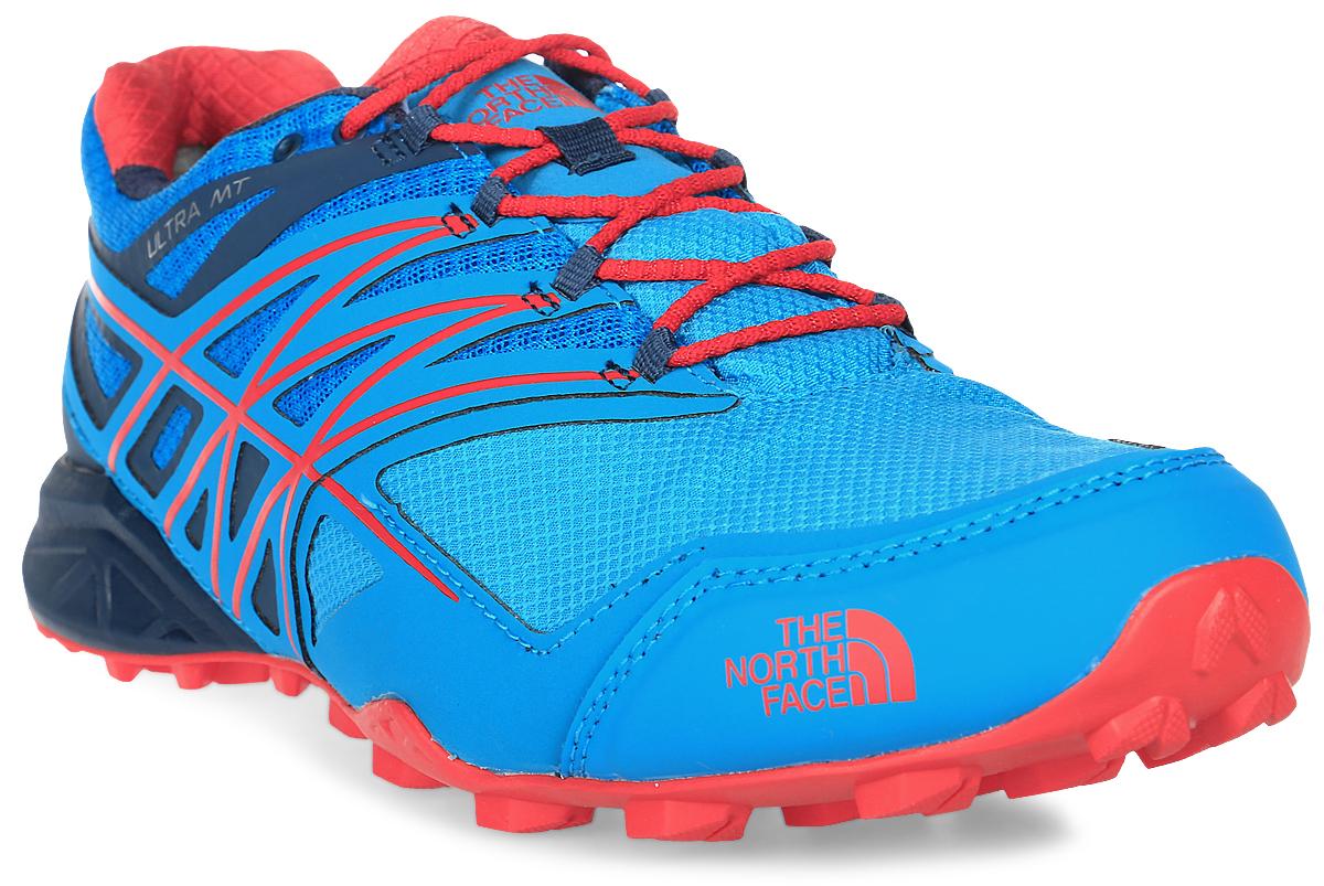 Кроссовки для бега мужские The North Face M Ultra Mt Gtx, цвет: голубой. T932Z1TEM. Размер 10H (44)T932Z1TEMThe North Face легкие и очень комфортные кроссовки для бега. Удобная шнуровка, верх из сетчатой ткани, мягкая пятка для облегченного входа - в этих кроссовках есть все для комфортного передвижения в течение всего дня. Рельефная поверхность подошвы гарантируют отличное сцепление на любых поверхностях. В таких кроссовках вашим ногам будет комфортно и уютно.