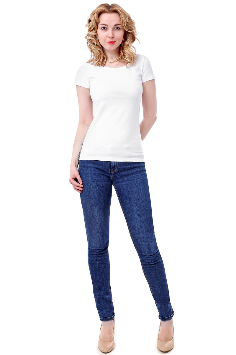 Футболка женская F5, цвет: белый. 170065_12380/F5/P. Размер M (46)170065_12380/F5/P, TR Porte, whiteЖенская футболка F5, изготовленная из качественного материала, поможет создать модный образ и станет отличным дополнением к повседневному гардеробу. Модель оформлена вышитым логотипом бренда.
