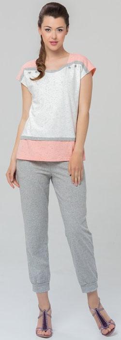 Домашний комплект женский Tesoro, цвет: серый, белый, коралловый. 462К2. Размер 50462К2Оригинальный женский комплект одежды для дома и отдыха. Длина брюк 7/8. Выполнен из из высококачественного хлопка-пенье с небольшим содержанием лайкры.