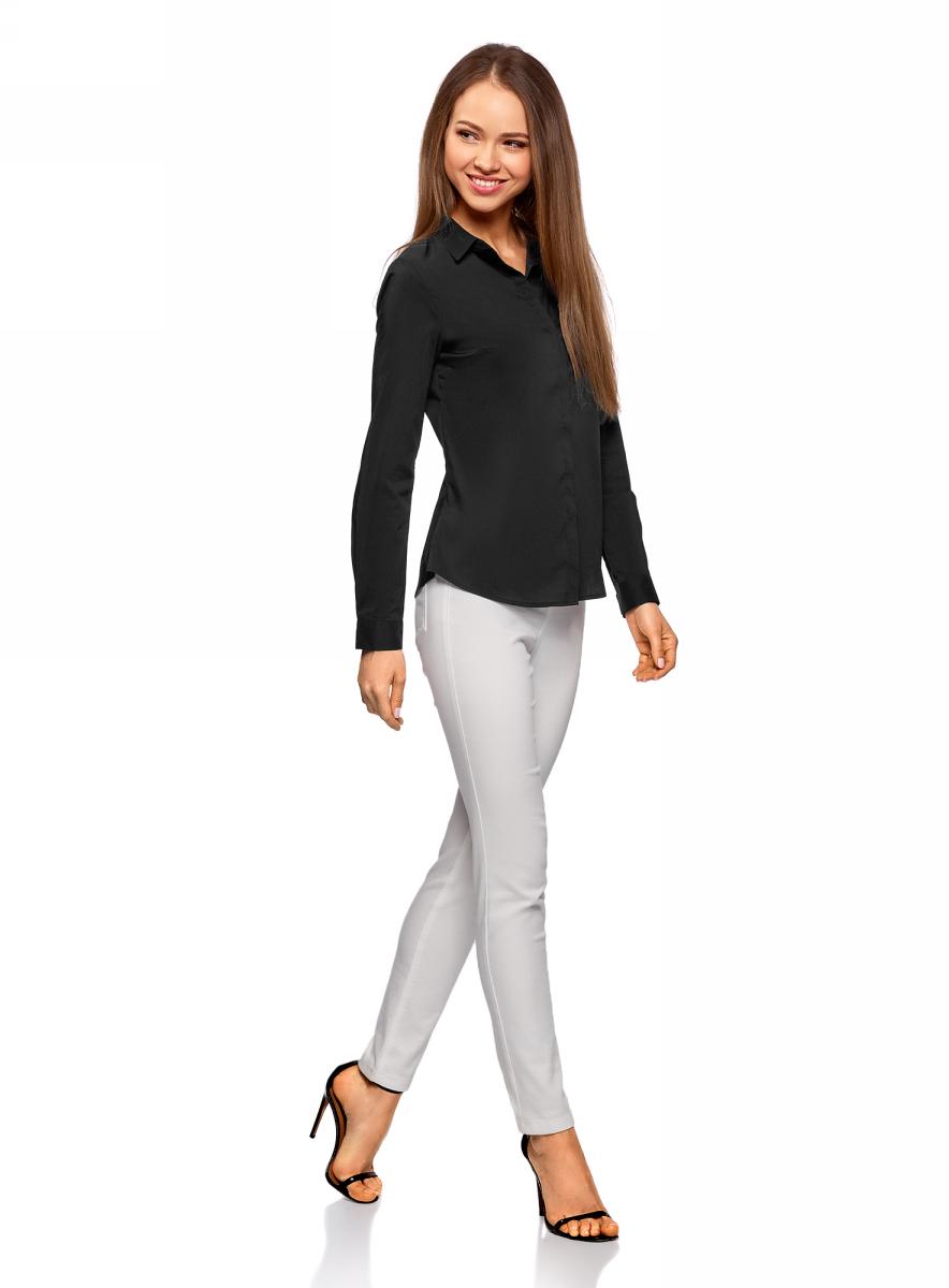 Рубашка женская oodji Ultra, цвет: черный. 11403228B/42083/2900N. Размер 36-170 (42-170)11403228B/42083/2900NКлассическая женская рубашка выполнена из комбинированного материала. Модель с длинными рукавами и отложным воротником застегивается на пуговицы, скрытые планкой.