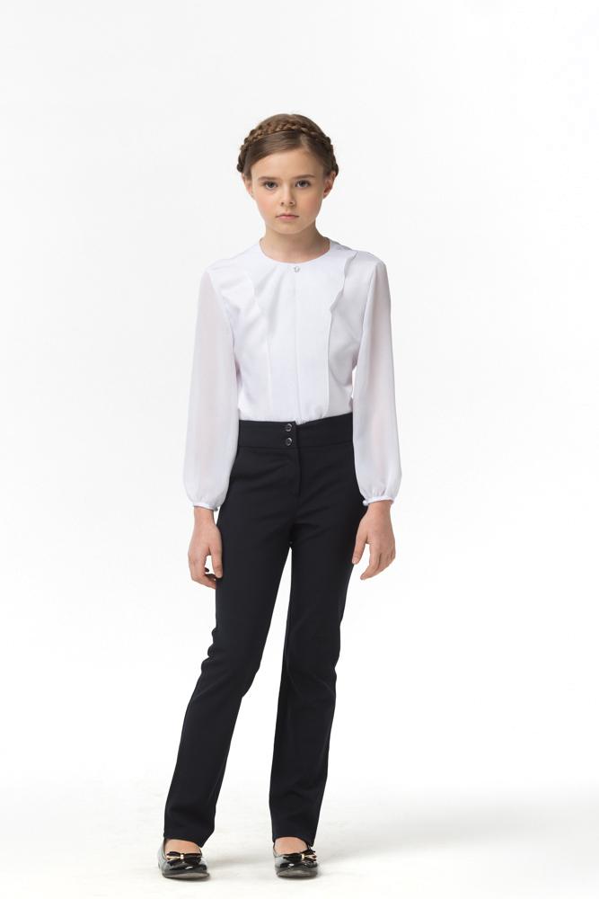 Блузка для девочки Смена, цвет: белый. 16с513. Размер 116/12216с513Блузка для девочки от бренда Смена выполнена из смесового хлопка. Модель полуприлегающего силуэта с длинными рукавами. Спереди блузка оформлена оригинальной планкой.