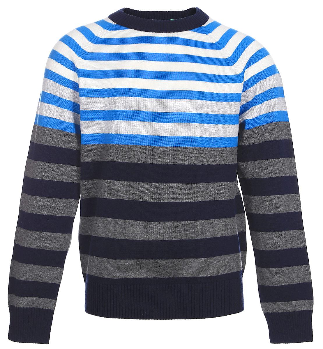 Джемпер для мальчика Sela, цвет: синий. JR-714/172-7310. Размер 98JR-714/172-7310Стильный джемпер для мальчика Sela поможет создать модный образ и станет отличным дополнением повседневного гардероба. Модель прямого кроя с длинными рукавами-реглан изготовлена из натурального хлопкового трикотажа мелкой вязки в полоску. Круглый вырез горловины, манжеты рукавов и низ изделия связаны резинкой. Модель подойдет для прогулок и дружеских встреч и будет отлично сочетаться с джинсами и брюками.