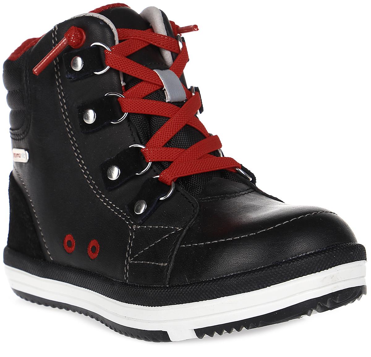 Ботинки детские Reima Weather, цвет: черный. 5693189990. Размер 345693189990Теплые и непромокаемые детские ботинки изготовлены из стильной кожи и текстиля. Водонепроницаемая мембрана и текстильная подкладка согреют ножки и защитят их от влаги. Вы легко выберите нужный размер с помощью съемных стелек с рисунком Happy Fit.Благодаря эластичным шнуркам эти стильные ботинки легко и быстро надеваются! Подошва из термопластичной резины Reima обеспечивает отличное сцепление с поверхностью.Удобные и дышащие демисезонные ботинки, которые подойдут и для игр во дворе, и для прогулки в парке или по городу!