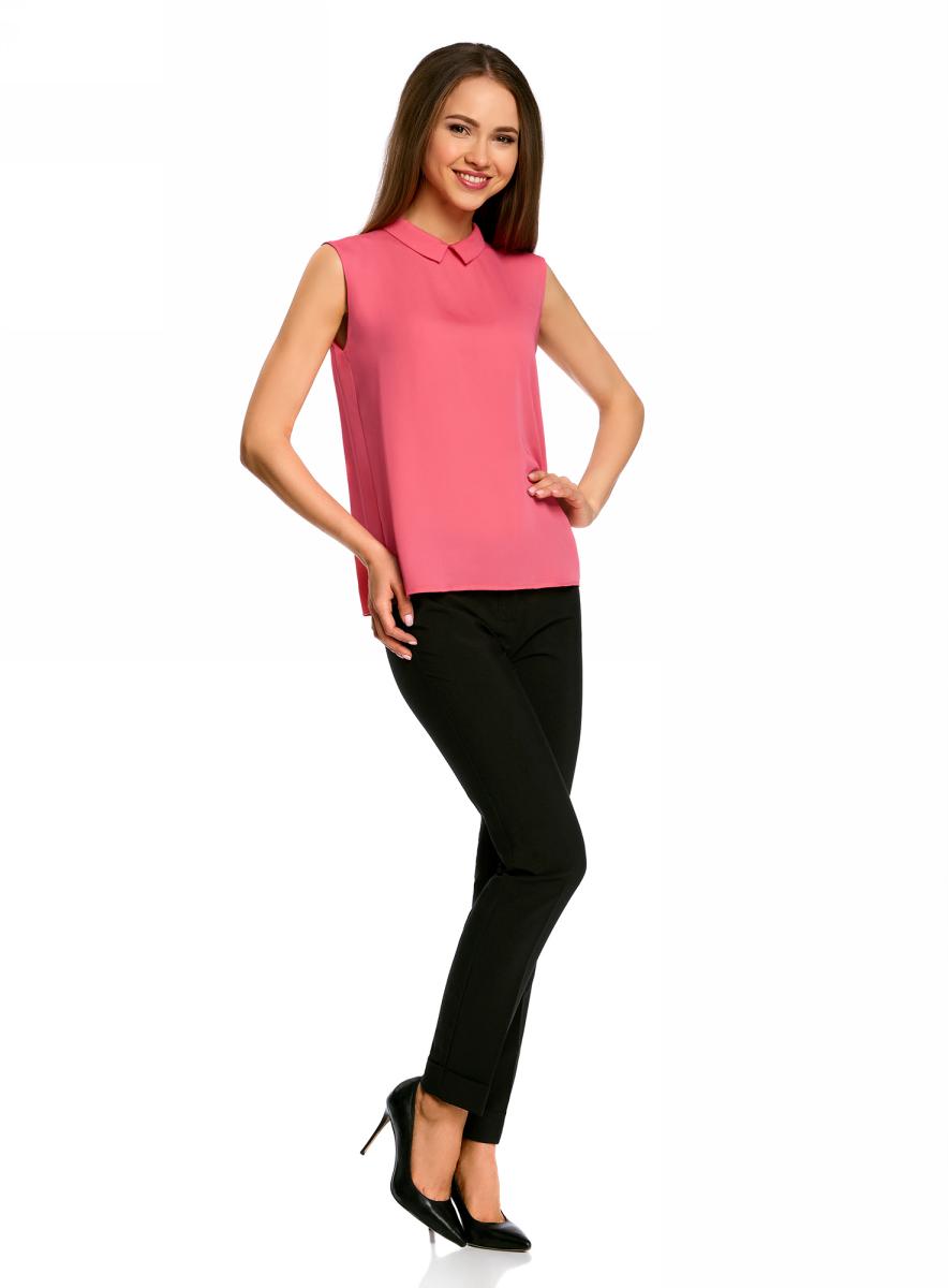 Блузка женская oodji Ultra, цвет: ярко-розовый. 11411084B/43414/4D00N. Размер 42 (48-170)11411084B/43414/4D00NМодная женская блузка oodji Ultra изготовлена из высококачественного полиэстера.Модель с отложным воротником и без рукавов застегивается на два металлических крючка, расположенных на спинке. Спинка оформлена декоративным вырезом.