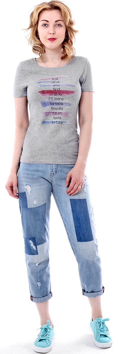 Футболка женская F5, цвет: светло-серый. 170081_12380. Размер S (44)170081_12380/Five, TR Porte, grey melangeЖенская футболка F5, изготовленная из качественного материала, поможет создать модный образ и станет отличным дополнением к повседневному гардеробу. Модель оформлена оригинальным принтом.