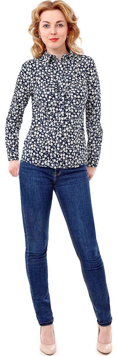 Блузка F5, цвет: темно-синий, белый. 171004_17333. Размер L (48)171004_17333, Cotton, Vesta flowersЖенская блузка F5 выполнена из качественного материала, поможет создать модный образ и станет отличным дополнением к повседневному гардеробу. Модель приталенного кроя с отложным воротником и длинными рукавами застегивается спереди на пуговицы.