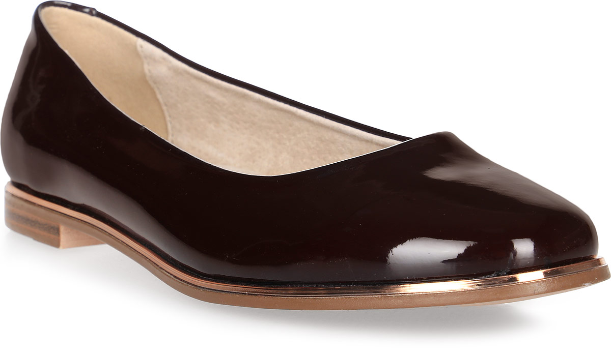 Туфли для девочки Keddo, цвет: бордовый. 578120/50-02. Размер 33578120/50-02Удобные туфли от Keddo покорят вашу юную модницу с первого взгляда! Модель выполнена из искусственной лаковой кожи и оформлена вдоль ранта контрастной полоской. Внутренняя поверхность и стелька из натуральной кожи не натирают. Подошва с рифлением обеспечивает идеальное сцепление с любыми поверхностями. Стильные туфли займут достойное место в гардеробе вашей девочки.
