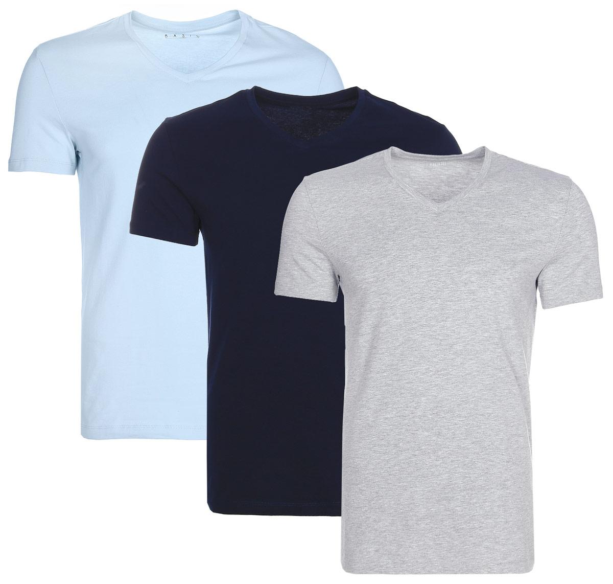 Футболка мужская oodji Basic, цвет: голубой, синий, серый, 3 шт. 5B612002T3/46737N/1904N. Размер M (50)5B612002T3/46737N/1904NМужская базовая футболка от oodji выполнена из эластичного хлопкового трикотажа. Модель с короткими рукавами и V-образным вырезом горловины. В комплект входит три футболки.