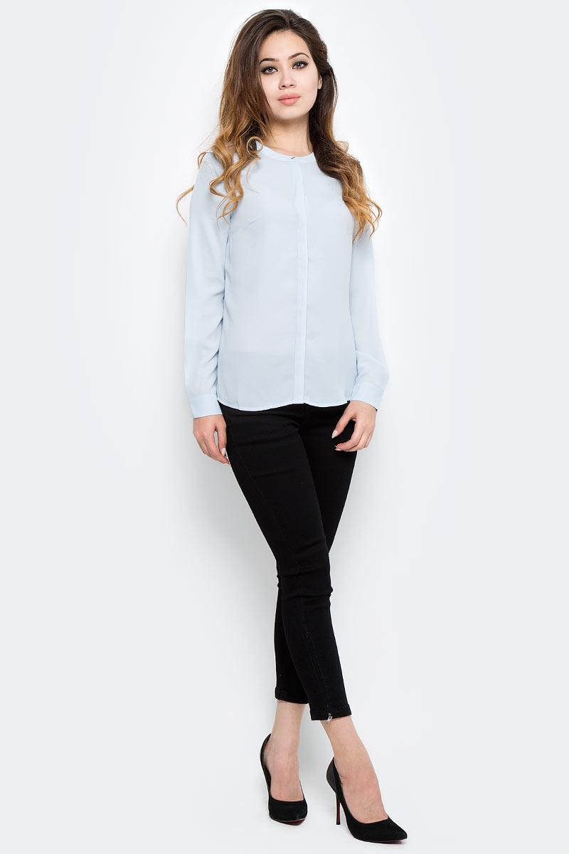 Блузка женская Sela, цвет: голубой. B-112/1294-7370. Размер 42B-112/1294-7370Стильная женская блузка от Sela выполнена из высококачественного материала. Модель свободного кроя с круглым вырезом горловины и длинными рукавами застегивается на пуговицы.