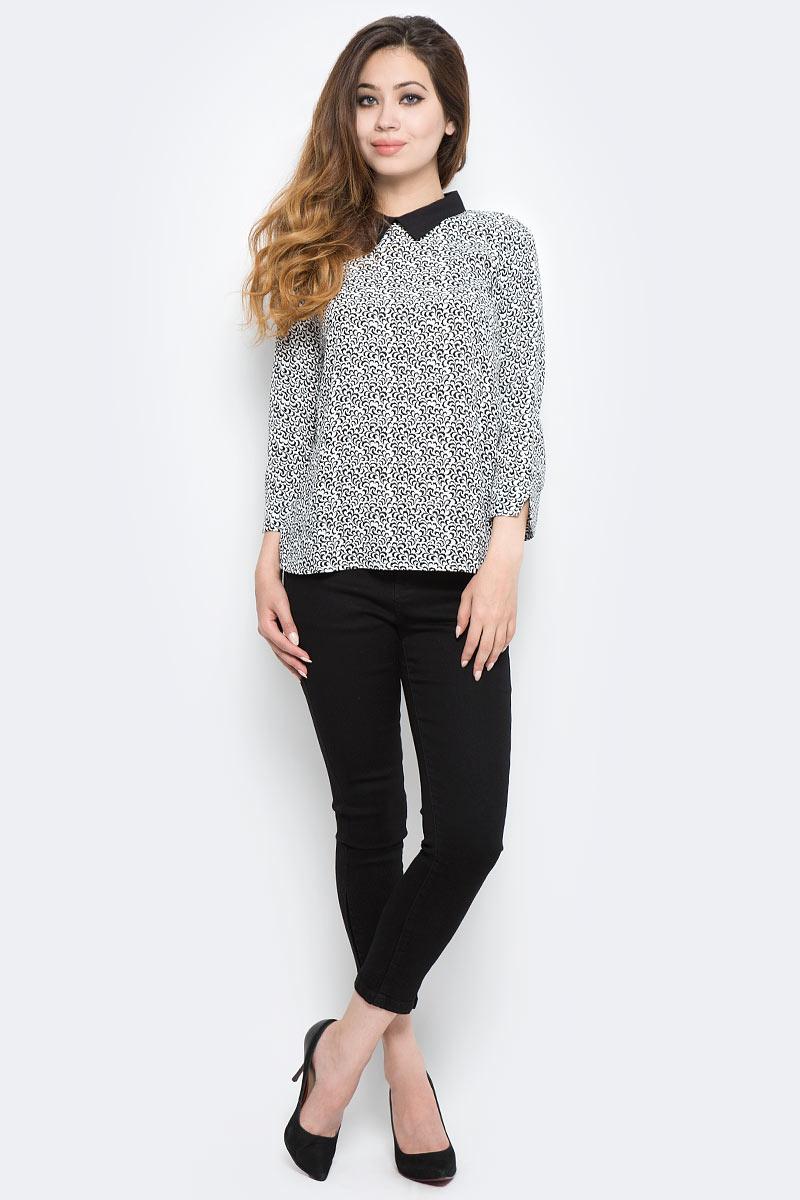 Блузка женская Sela, цвет: черный, белый. Tw-112/1292-7370. Размер 44Tw-112/1292-7370Стильная женская блузка от Sela выполнена из высококачественного материала. Модель с отложным воротником и рукавами 3/4 застегивается сзади на пуговицы.