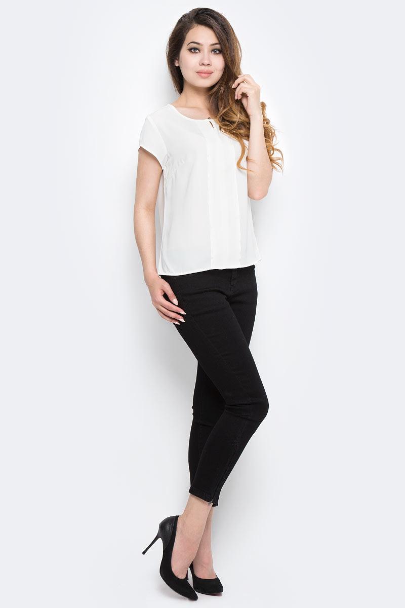 Блузка женская Sela, цвет: белый. Tws-112/1293-7370. Размер 48Tws-112/1293-7370Стильная женская блузка от Sela выполнена из высококачественного материала. Модель с круглым вырезом горловины и короткими рукавами застегивается сверху на пуговицу.