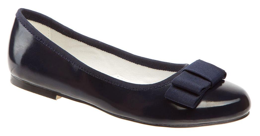 Туфли для девочки Betsy, цвет: темно-синий. 978302/01-02. Размер 36978302/01-02Модные туфли для девочки от Betsy выполнены из искусственной кожи. Мыс украшен текстильным бантиком. Внутренняя поверхность и стелька из натуральной кожи гарантируют комфорт. Подошва и невысокий каблук с рифлением гарантируют отличное сцепление с различными поверхностями. Модные туфли покорят своим оригинальным дизайном и удобством.