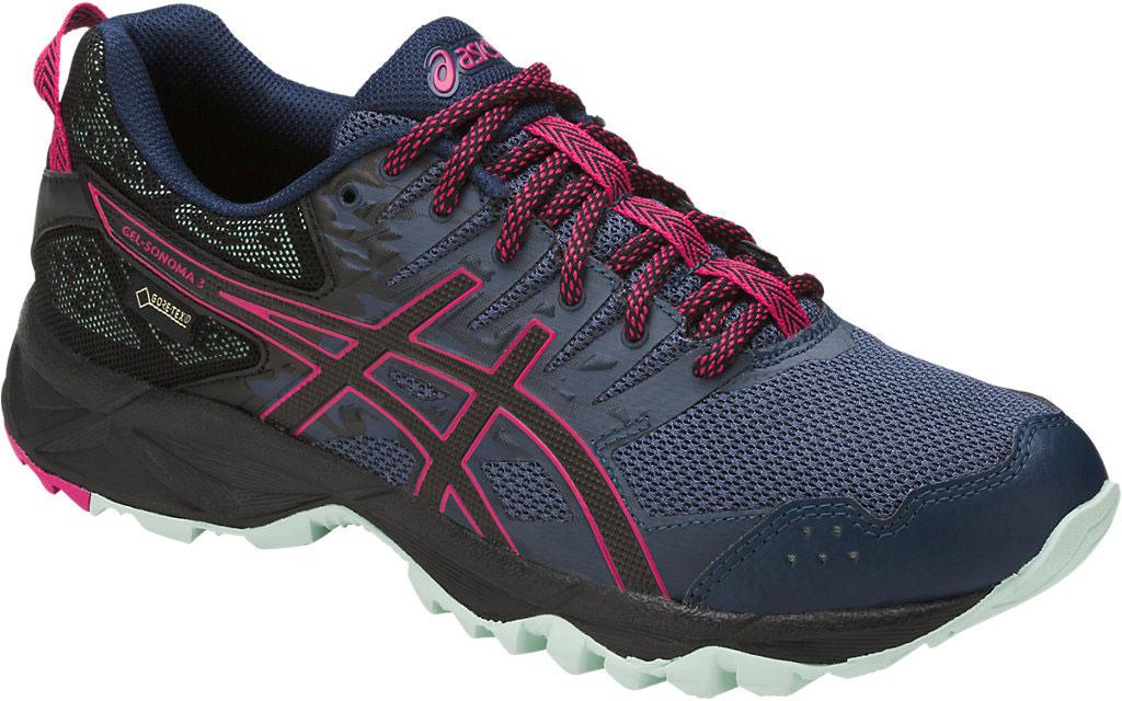 Кроссовки женские Asics Gel-Sonoma 3 G-Tx, цвет: темно-синий, фуксия. T777N-5090. Размер 7 (36,5)T777N-5090Легкие стабильные кроссовки для бега Asics Gel-Sonoma 3 по грунту созданы для любителей и профессионалов с нейтральной пронацией. Благодаря мембранной ткани верха кроссовок, ноги не промокнут при беге в дождь. Эти чрезвычайно прочные кроссовки, учитывающие все особенности бега по пересеченной местности, обеспечат комфорт, устойчивость и поддержку на протяжении всего маршрута. Кроссовки GEL-Sonoma 3 G-TX предназначены для кросса на короткие и средние расстояния и по любой поверхности. Гелевый амортизатор в задней части подошвы, технология EVA для средней части и светоотражатели 3M обеспечивают надежную защиту, а внешняя поверхность подошвы со стабилизацией для кросса гарантирует стабильность и поддержку на любой поверхности.