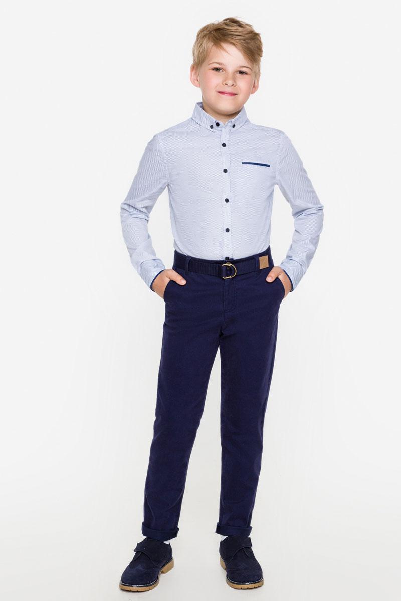 Рубашка для мальчика Acoola Jupiter, цвет: белый, синий. 20100280015_9000. Размер 15220100280015_9000Стильная рубашка для мальчика Acoola Jupiter изготовлена из хлопковой ткани с набивным принтом и оформлена контрастной принтованной окантовкой на манжетах и нагрудном кармане. Модель классического кроя с длинными рукавами и отложным воротничком застегивается спереди на пуговицы. Манжеты рукавов и воротничок также дополнены пуговицами. Мягкая ткань на основе хлопка приятна на ощупь и комфортна в носке. Такая рубашка поможет создать модный школьный образ и станет отличным дополнением к повседневному гардеробу юного мужчины.