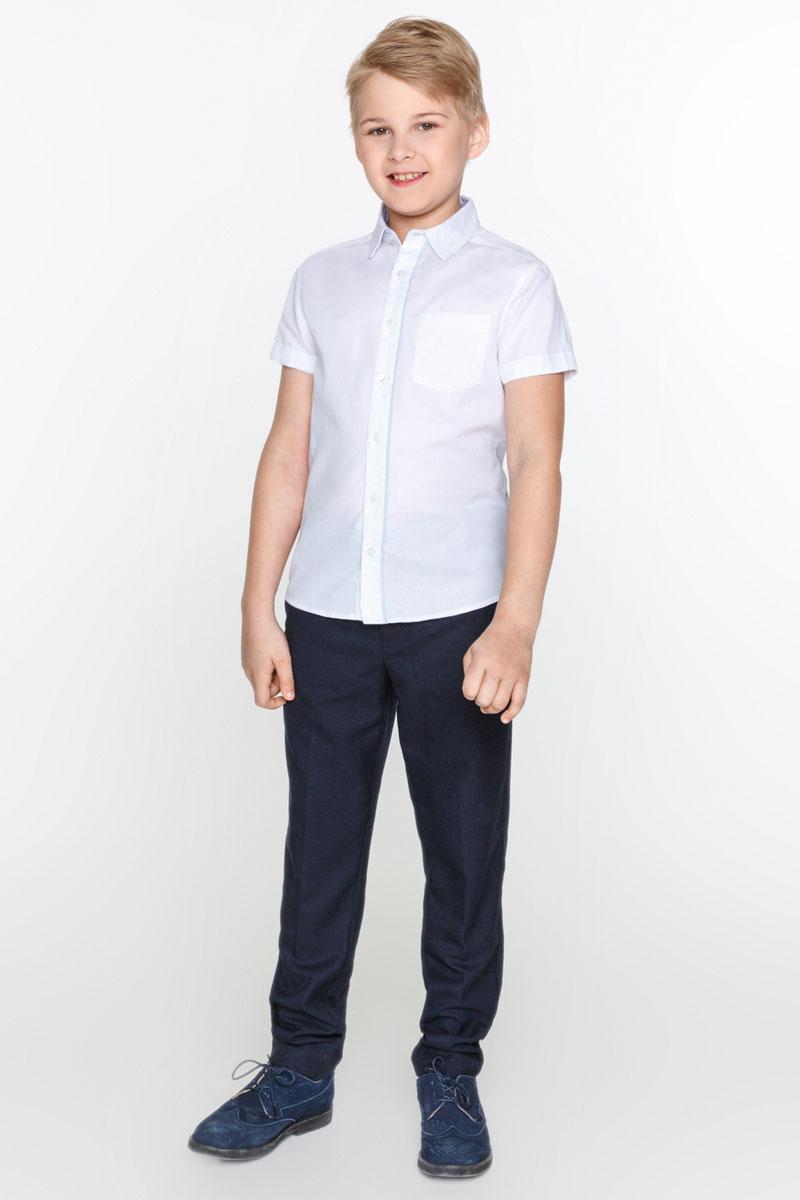 Рубашка для мальчика Acoola Bromine, цвет: белый. 20100290002_200. Размер 14620100290002_200Стильная рубашка для мальчика Acoola Bromine изготовлена из фактурной ткани добби с контрастной окантовкой вдоль планки и дополнена накладным карманом на груди. Модель классического кроя с короткими рукавами и отложным воротничком застегивается спереди на пуговицы. Мягкая ткань на основе хлопка и полиэстера приятна на ощупь и комфортна в носке. Такая рубашка поможет создать модный школьный образ и станет отличным дополнением к повседневному гардеробу юного мужчины.