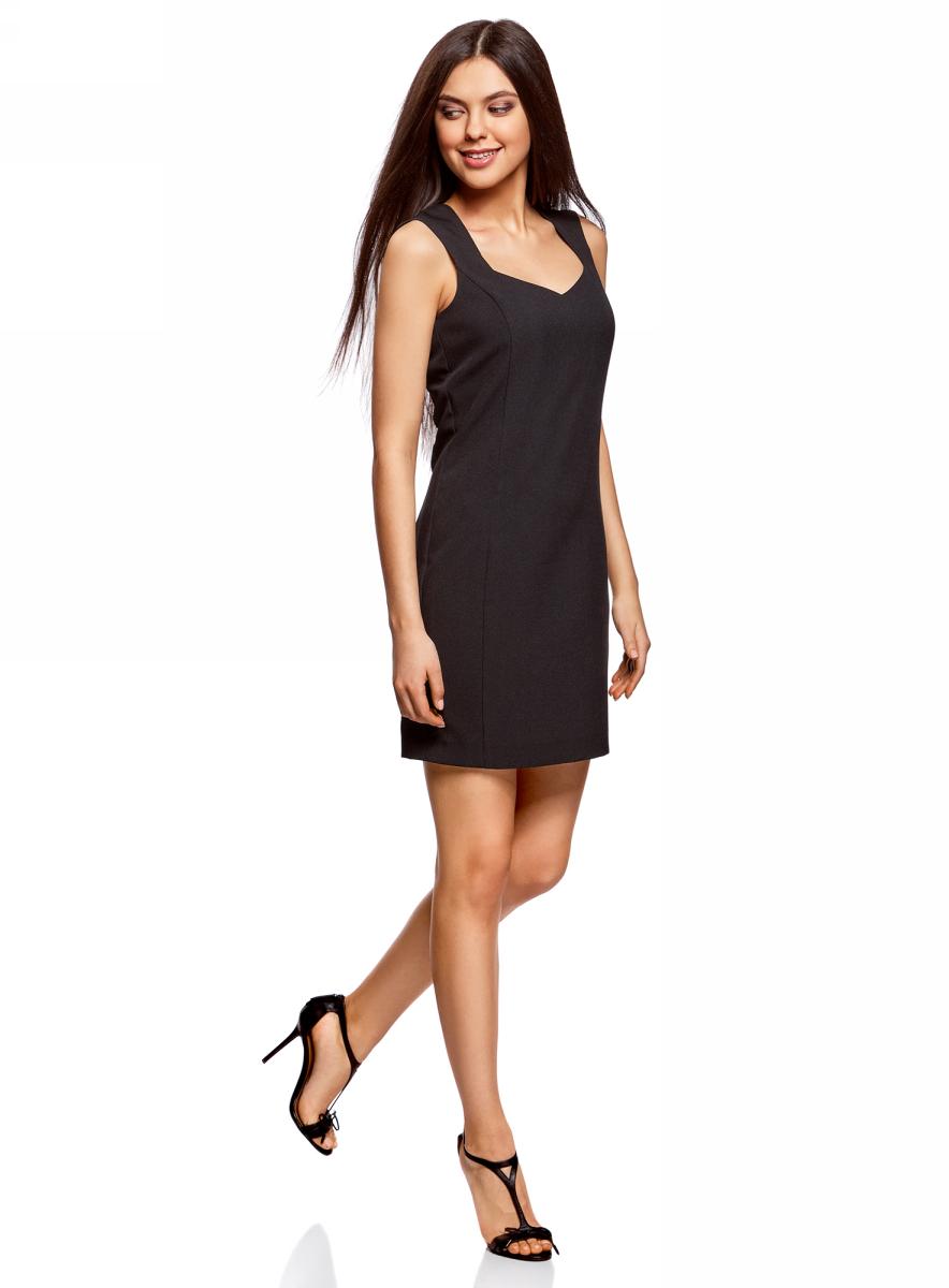 Платье oodji Ultra, цвет: черный. 12C02001B/14917/2900N. Размер 38 (44-164)12C02001B/14917/2900NСтильное платье oodji изготовлено из качественного плотного полиэстера. Приталенная модель выполнена с фигурным вырезом и без рукавов.